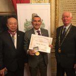 Médaille d'Or de la League Universelle du Bien Publique.